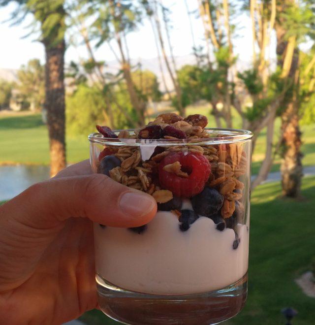 Frukost på balkongen varje morgon.